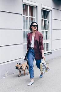 Casual Blazer Outfit mit Jane Birkin Basket und Denim Slippers