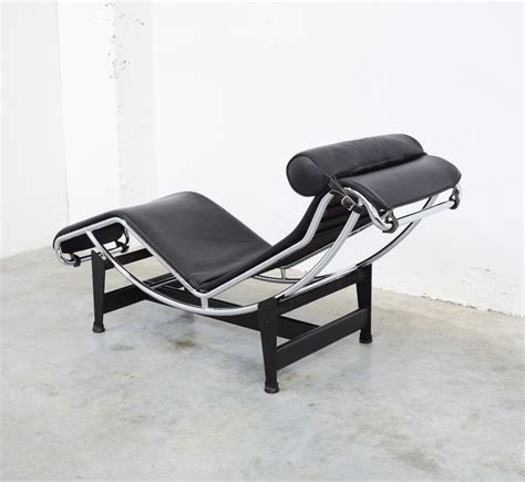 chaise longue design chaise longue lc4 by le corbusier for cassina vintage design point