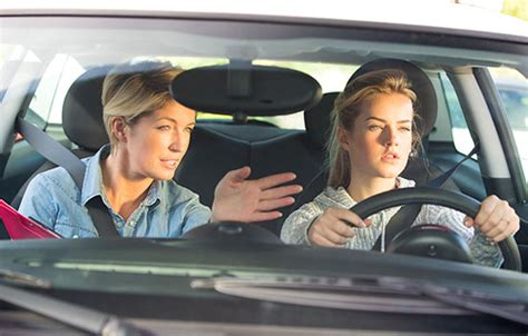 keeping  teen driver safe travelers insurance