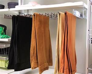 Ausziehbare Körbe Kleiderschrank : ausziehbarer hosenhalter f r schranksysteme ~ Markanthonyermac.com Haus und Dekorationen