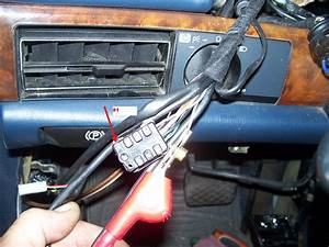 1989 Mercedes 560 Sec  Illumination Problems  Some Tool Tied The Radio Illumination Wire And