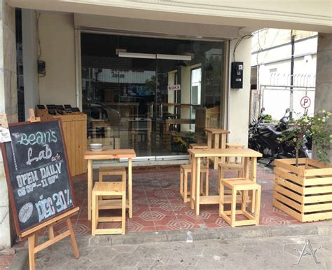 desain cafe mini outdoor pinggir jalan sederhana
