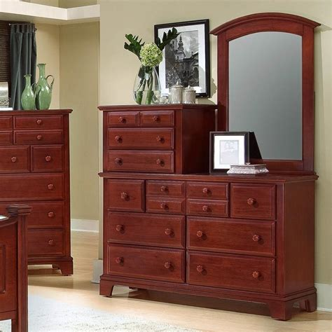 Vaughan Bassett Dresser With Mirror by Vaughan Bassett Hamilton Franklin 10 Drawer Dresser With