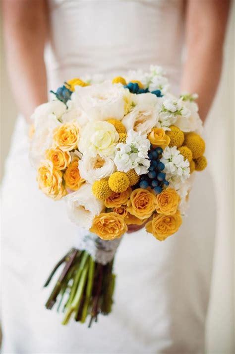 yellow bridal bouquet fab mood wedding colours