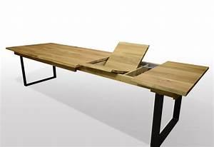 Esstisch Baumkante Ausziehbar : esstisch mit baumkante aus wildeiche auf schwarzstahl u ~ Watch28wear.com Haus und Dekorationen