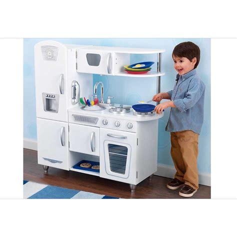 en cuisine cuisine pour enfant en bois vintage blanche de kidkraft