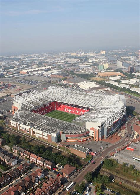#improveatsoccer | Manchester united old trafford ...