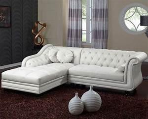 Canapé Chesterfield Cuir : photos canap chesterfield cuir blanc ~ Teatrodelosmanantiales.com Idées de Décoration
