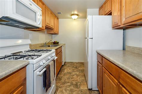 sherwood crossing apartments townhomes rentals
