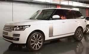 Land Rover Vogue : 2015 land rover range rover vogue se in dubai united arab emirates for sale on jamesedition ~ Medecine-chirurgie-esthetiques.com Avis de Voitures