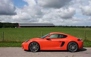 Porsche 718 Cayman Occasion : porsche 718 cayman 2017 galerie photo 17 31 le guide de l 39 auto ~ Gottalentnigeria.com Avis de Voitures
