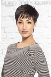 Short Hairstyles with Fringe Bangs