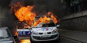 Age Devant Voiture : voiture de police incendi e une garde vue lev e ~ Medecine-chirurgie-esthetiques.com Avis de Voitures