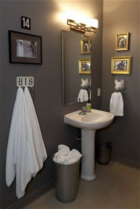bachelor pad bathroom essentials  ideas bachelor