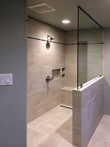 Wandbilder Für Badezimmer : hat eigentlich alles in der dusche halbe wand sitzstufe nische wandbilder pinterest ~ Markanthonyermac.com Haus und Dekorationen
