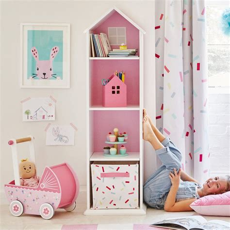 Bookcase In Bedroom by A Pretty Bookcase For Children S Bedrooms Designed In The
