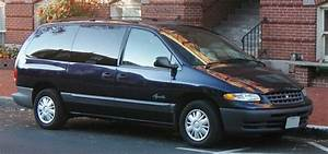 1999 Plymouth Voyager Photos  Informations  Articles