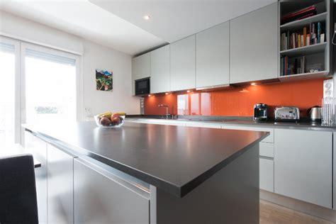 cuisine avec grand ilot central photo de cuisine ouverte avec ilot central kirafes