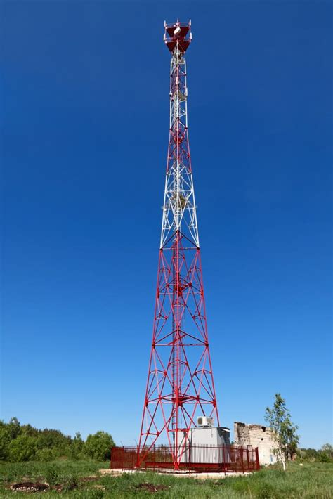 American Tower Acquires 11,500 Cell Towers From Verizon ...