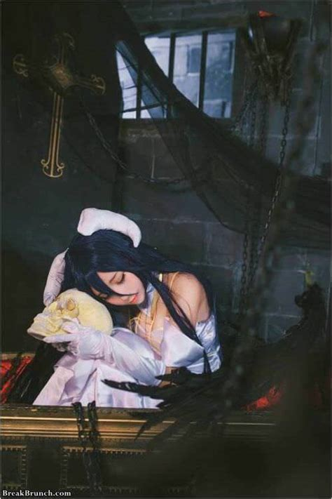 awesome albedo cosplay  overlord breakbrunch