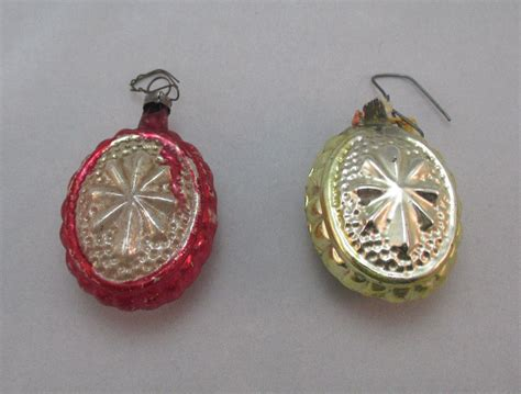 2 vintage hand painted glass yellow red snowflake christmas ornaments ebay