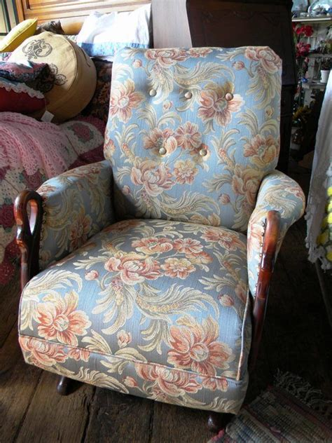 Antique Rocking Chair With Swan  Ee  Arms Ee   Newly Refurbished