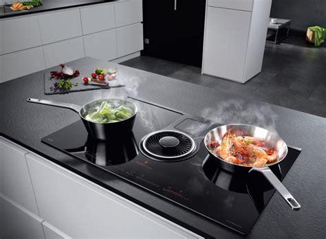hotte de cuisine brandt la table à induction avec hotte intégrée d aeg