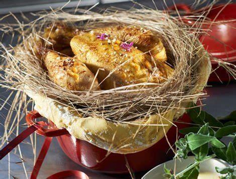 cuisiner le coq recette de chapon en cocotte lutté au foin maître coq