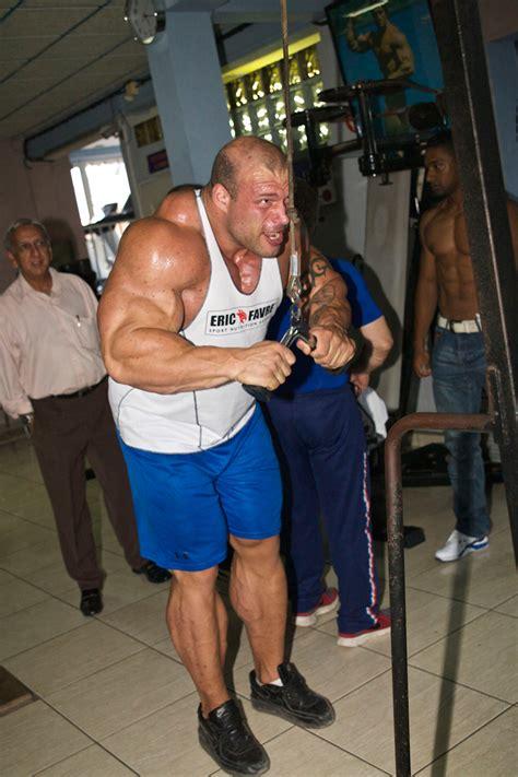 Morgan Aste 1,92 M, 154 Kg De Muscles, 62 Cm De Tour De Bras