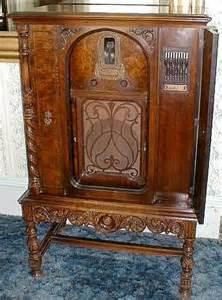Vintage Zenith Floor Model Radio 1930