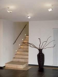 Treppenhaus Led Beleuchtung : wie eine kluge beleuchtung unf lle im treppenhaus vorbeugt ~ Michelbontemps.com Haus und Dekorationen