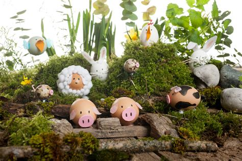 Easter Egg Garden Decoration by 30 Best Easter Egg Decorating Ideas The Celebration Shoppe
