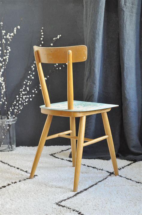 une chaise vide resume chaise thonet le vide grenier d 39 une parisienne