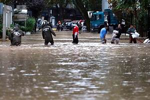 Floods Overwhelm Chile39s Capital Fouling Water Supply