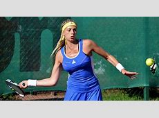 Swedish tennis star Cornelia Lister uses wrong flag to