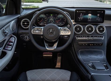 The further up the range you go, the classier the interior looks thanks. Gamma Mercedes 2020, nuova GLA e Classe S attese protagoniste