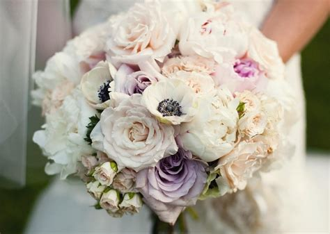 Best Wedding Flowers By Season