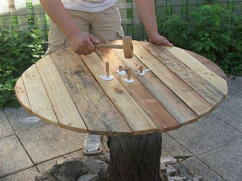 table cuisine pas chere construire une table de jardin en bois de palette sur