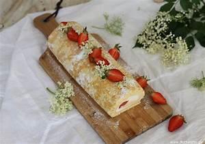 Rezept Für Holunderblütensirup : biskuitrolle mit holunderbl tensirup und erdbeeren c b ~ Lizthompson.info Haus und Dekorationen