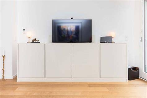 kommode oder und sideboard mit integriertem tv lift f 252 r ein besonderes raumerlebnis die