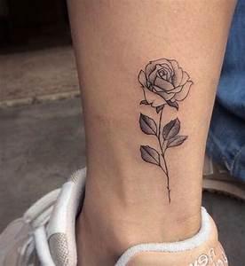 Rosen Tattoo Klein : 1001 ideen und inspirierende bilder zum thema rosen tattoo rosen tattoo schwarze rosen und ~ Frokenaadalensverden.com Haus und Dekorationen