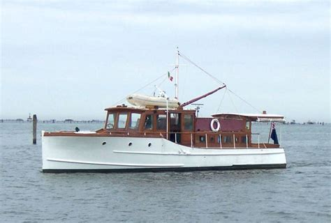 classic yachts classic motor yacht papoose gentlemans cruiser fine american boats