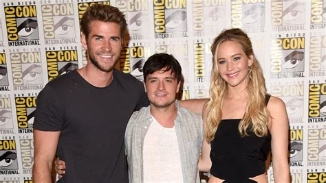 jennifer lawrence hunger games cast unveil mockingjay