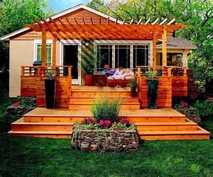 Awesome backyard deck design