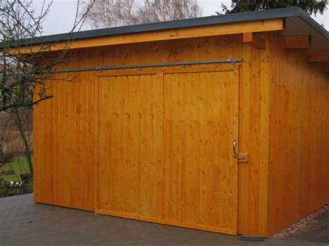 schiebetore holz selber bauen gartenhaus alles andere als standard dachprofi englert