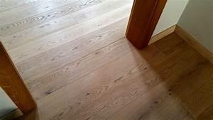 Olej na dřevěné podlahy