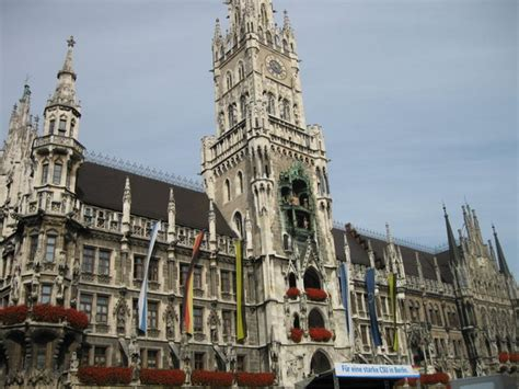 marienplatz beautiful majestic building photo