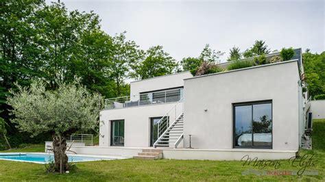 construire maison moderne une maison moderne en bois la pice vivre with construire