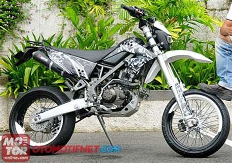 Modifikasi Klx Dtracker by Modifikasi Kawasaki Klx 150 Supermoto Motor Klx