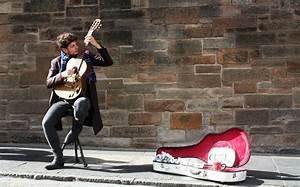 Mit Hobby Geld Verdienen : geld verdienen als stra enmusiker mit der gitarre ~ Orissabook.com Haus und Dekorationen